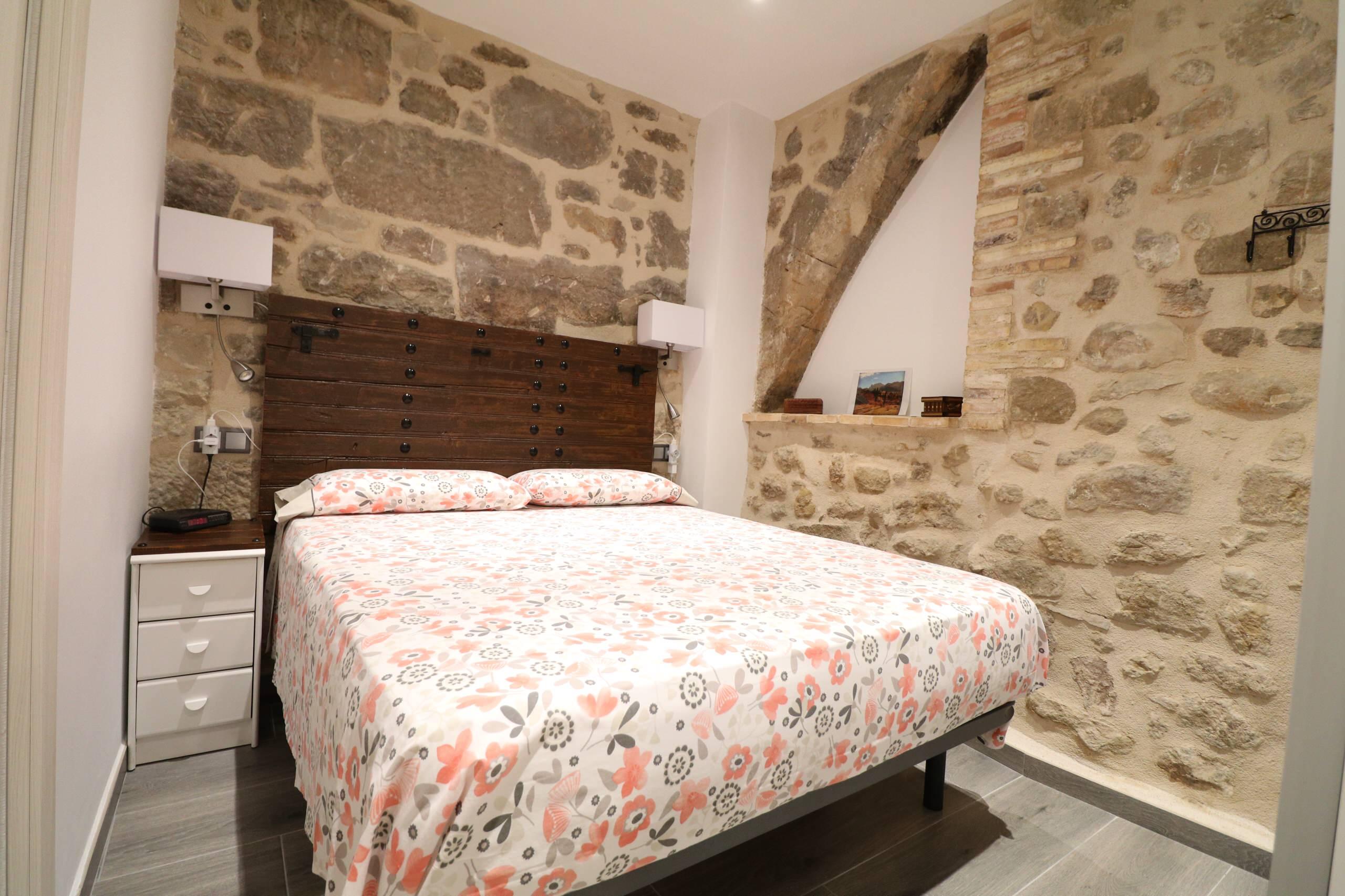Reforma integral de casa antigua en Arnes