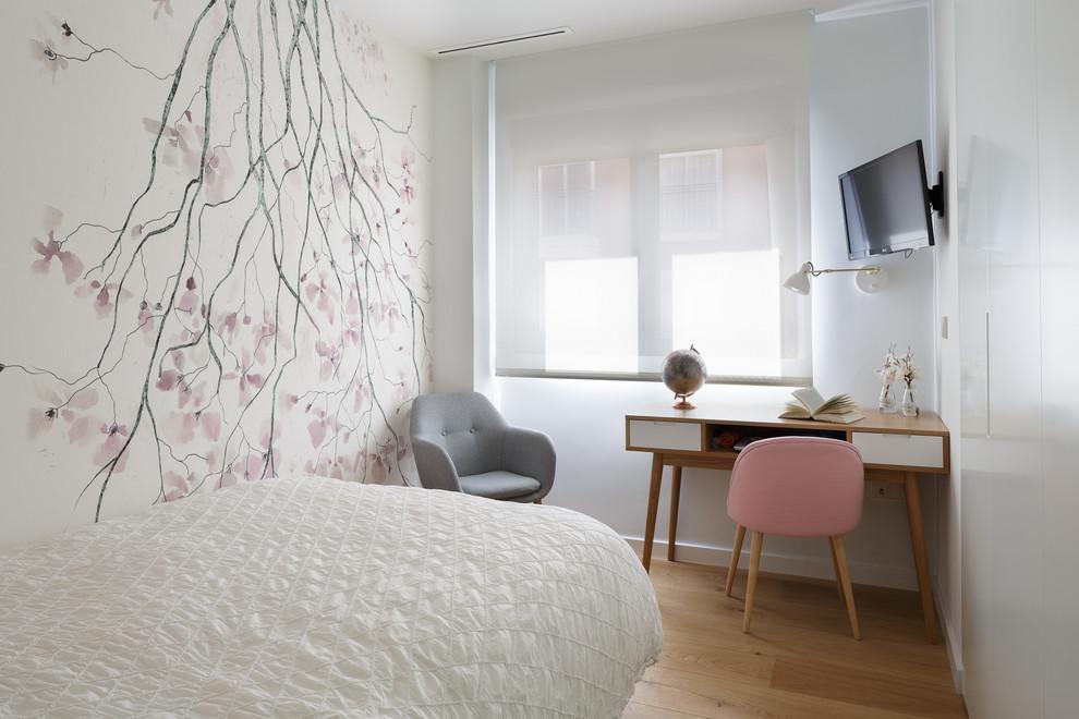 Bedroom - contemporary guest light wood floor and beige floor bedroom idea in Alicante-Costa Blanca with white walls