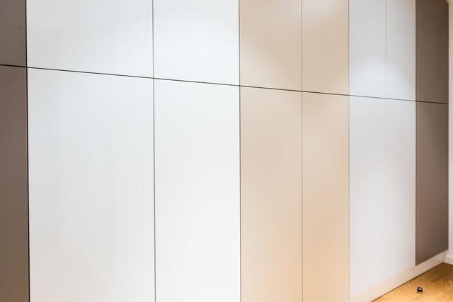 dressing couloir pur push pull contemporain armoire et dressing lyon par iglesiasdesign. Black Bedroom Furniture Sets. Home Design Ideas