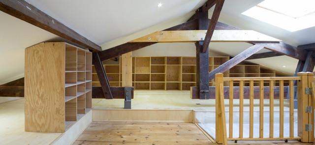 transformation de comble en surface habitable moderne armoire et dressing bordeaux par polka. Black Bedroom Furniture Sets. Home Design Ideas