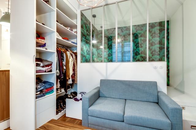 Un studio parisien, malin et féminin skandinavisk-opbevaring-og-garderobe
