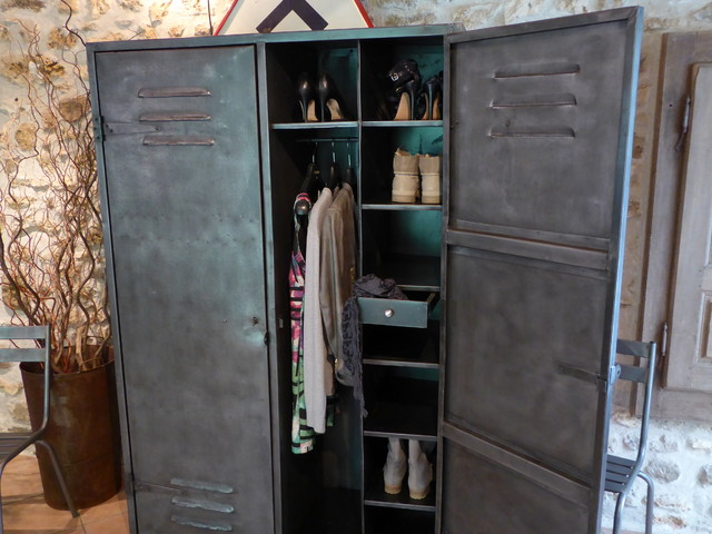 vestiaire industriel vintage dressing penderie industriel armoire et dressing le havre. Black Bedroom Furniture Sets. Home Design Ideas