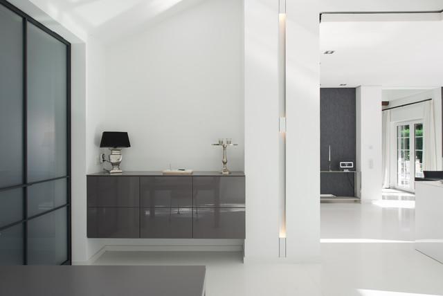 exklusive villa. Black Bedroom Furniture Sets. Home Design Ideas