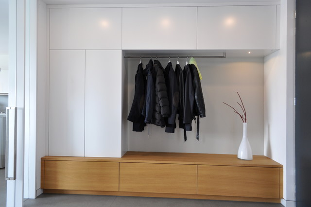 garderobe und flurm bel in wolfsburg modern eingang essen von klocke interieur. Black Bedroom Furniture Sets. Home Design Ideas