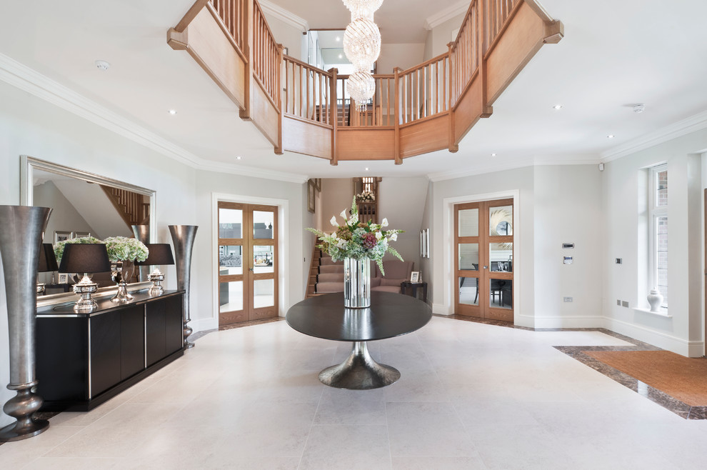 Photo of an expansive contemporary foyer in Berkshire.