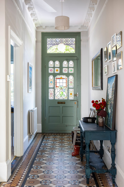 Edwardian Double Fronted House traditional-entrance