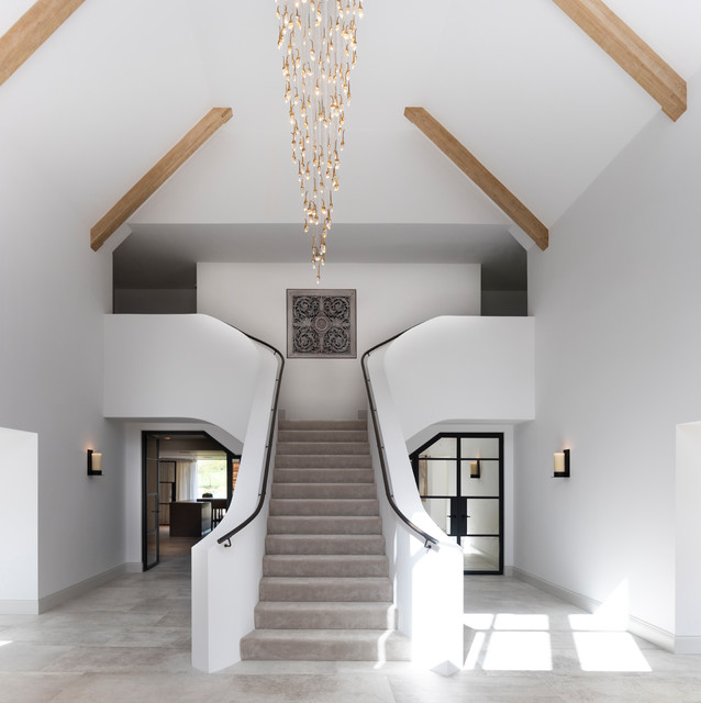 Transitional Foyer Hallway: Elegant Contemporary Entrance Hallway