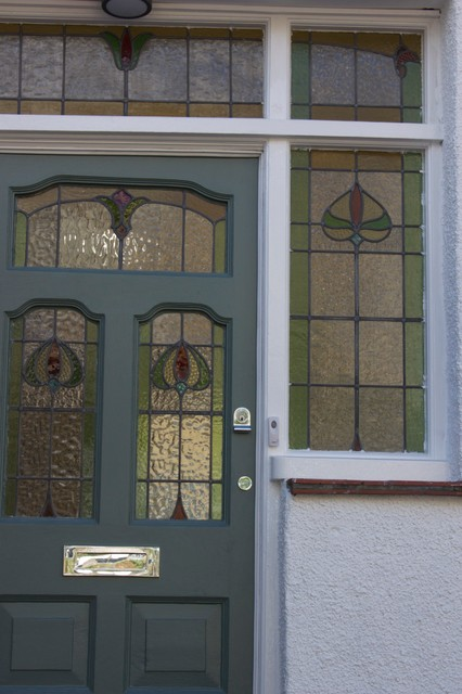Refurbishment of 1930s semi traditional entrance for 1930 front door