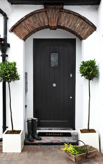 The Gatekeepers Cottage Contemporary Entry London By Boscolo