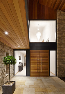 urban front – rondo / garage – iroko - Contemporary - Entry - Buckinghamshire
