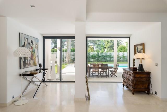 Agencement une villa contemporain entree