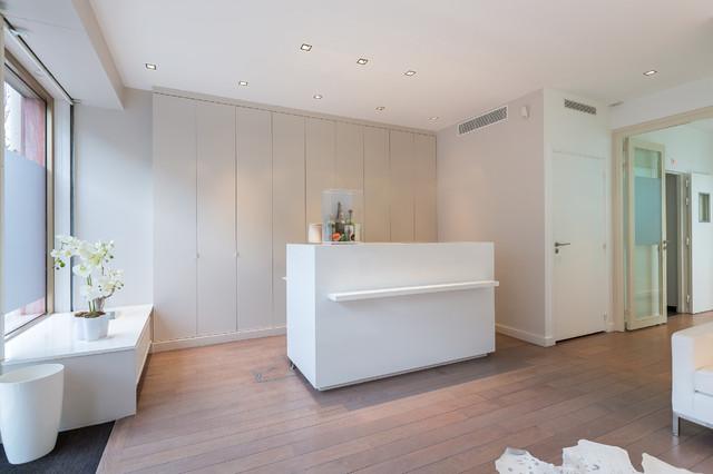 cabinet dentaire moderne entr e paris par moos jonathan architecture. Black Bedroom Furniture Sets. Home Design Ideas