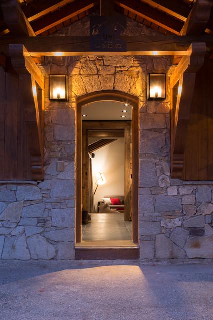 Chalet Meribel rustico-entrada