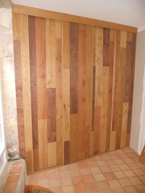 Placard d 39 entr e avec portes style bardage contemporain - Idee amenagement placard entree ...