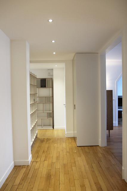R novation total appartement 95m2 contemporary entrance paris by elc deco - Modern deco appartement ...