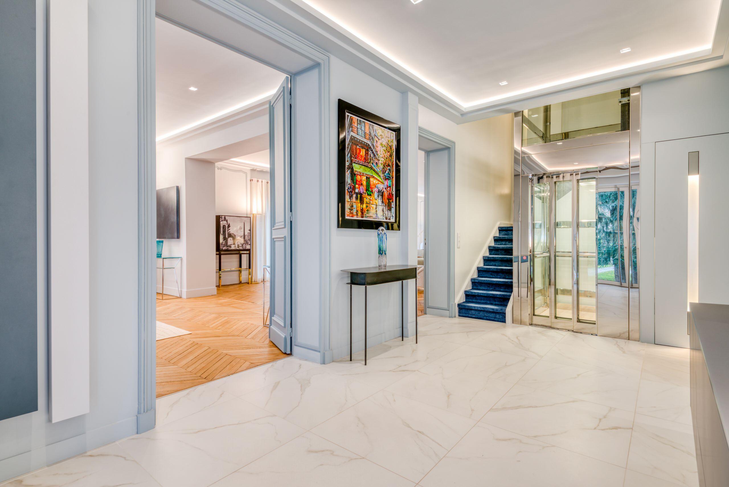 Villa de 650 m2 à Saint-Germain-en-Laye - L'entrée