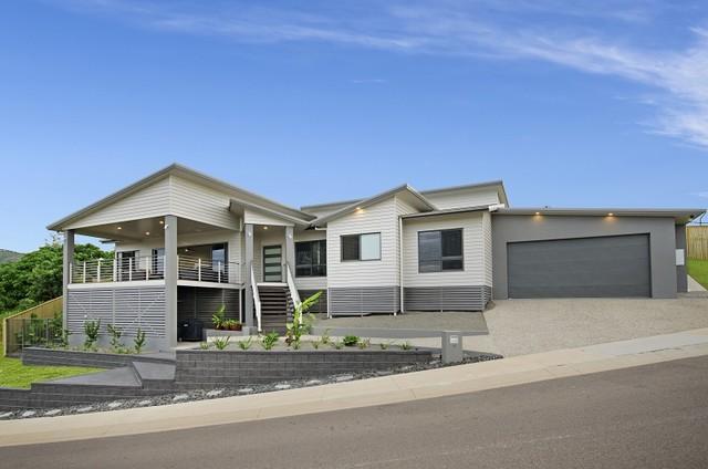 2015 award winning homes hillside contemporary entry for Award winning contemporary homes