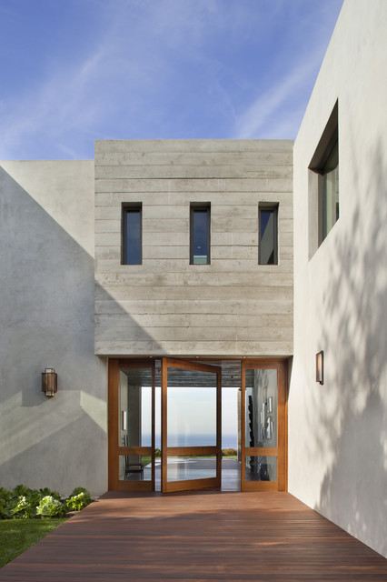 7377 Birdview Ave modern entry