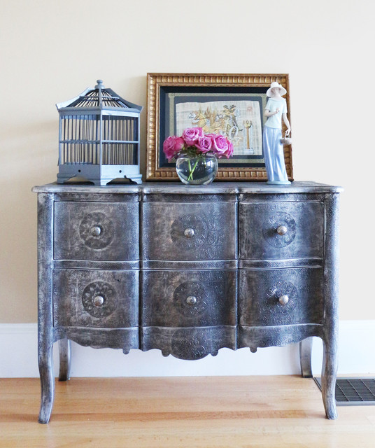 Entry Foyer Chests : A whimsical and traditional entryway chest