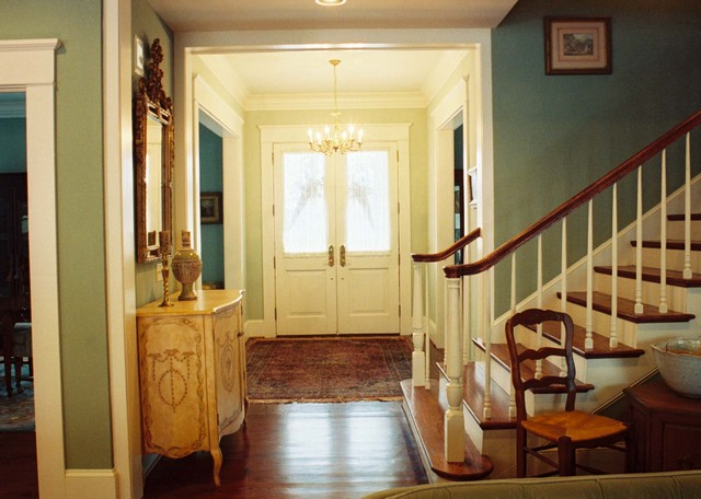 Foyer Door Color : Acadian home entry hall