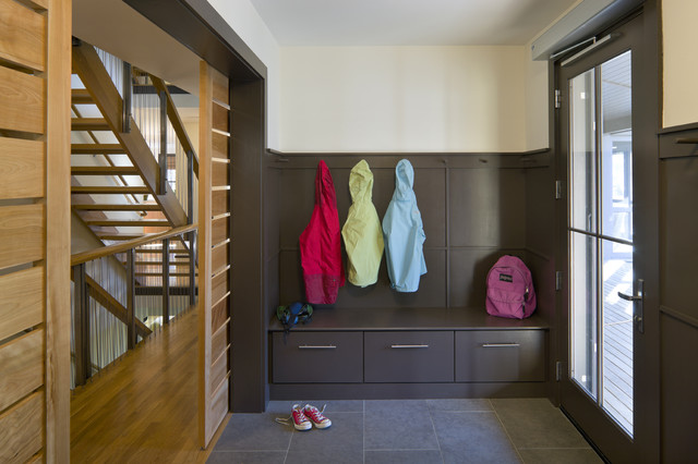 Accessible LEED Residence Mudroom modern entry