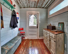 Alto mudroom traditional entry