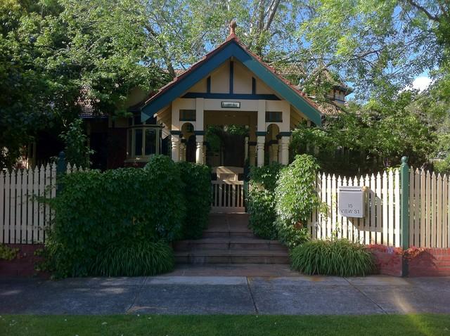 Andrew Renn Design, Beautiful gardens of Melbourne Australia traditional-entry