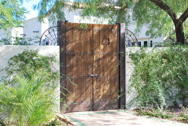 Antique Wood Entry Gates traditional-entry