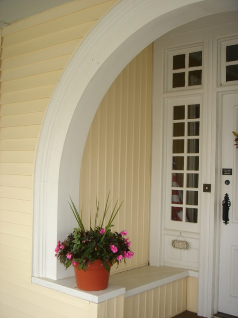 Architectural Details traditional-entry
