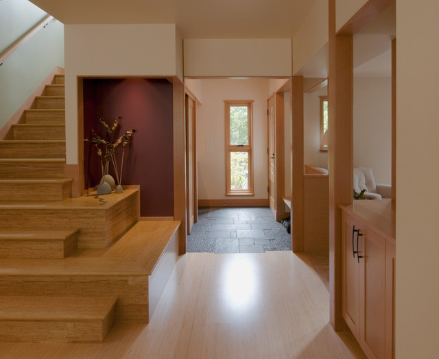 Artalejo-Lucas Residence asian-entry
