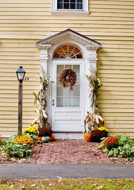 Autumn Decor & New England Road Trip farmhouse-entry