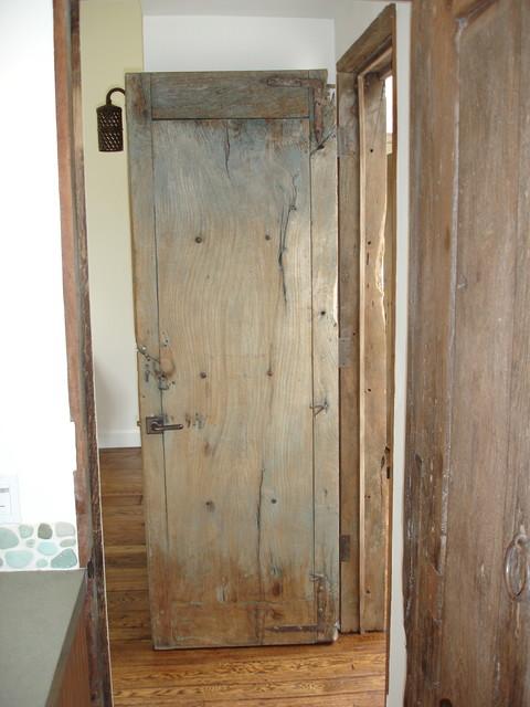 Beach house/Antique Mexican Doors mediterranean-entry