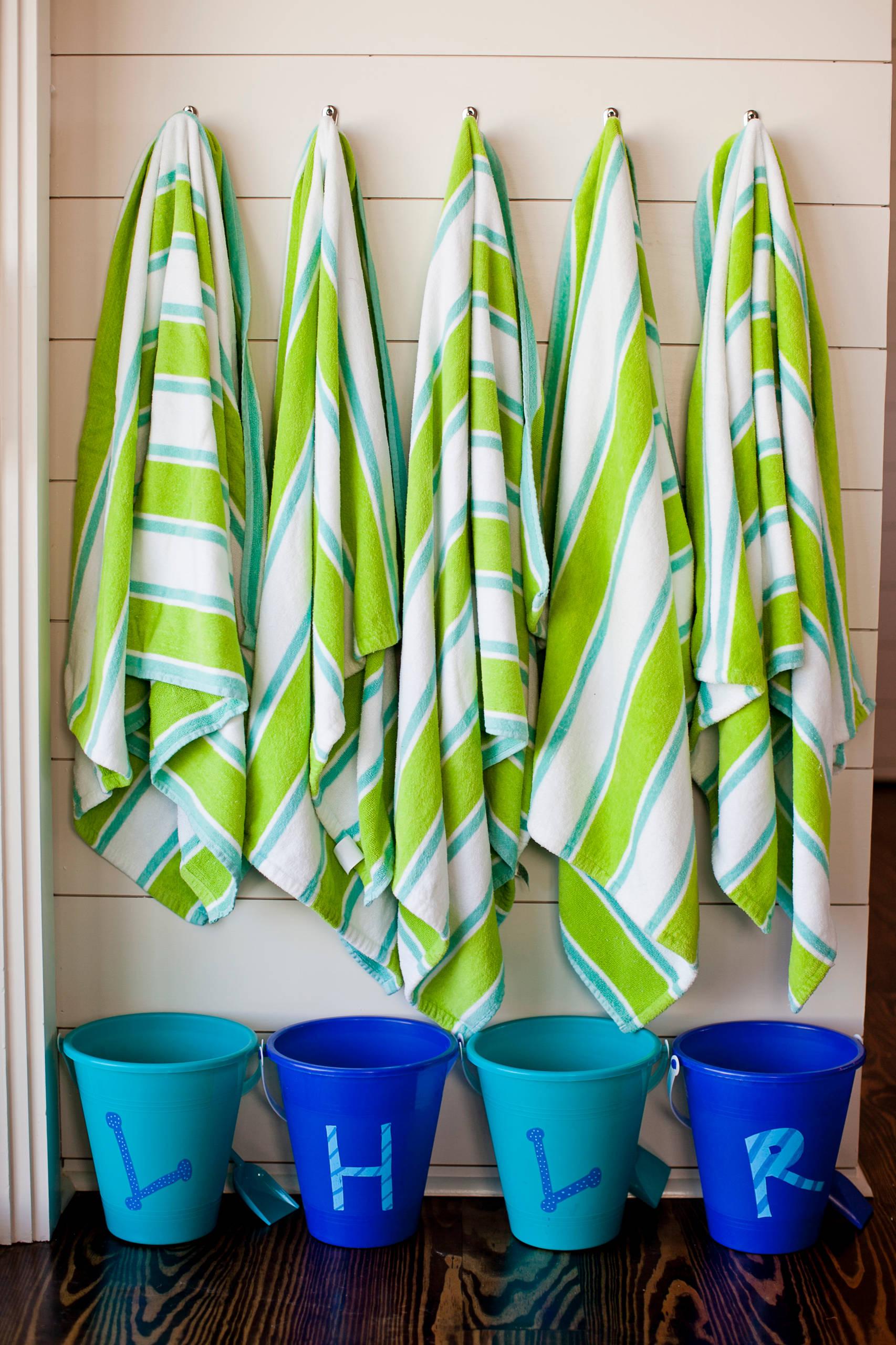 Outdoor Beach Towel Storage Houzz, Outdoor Beach Towel Storage Ideas