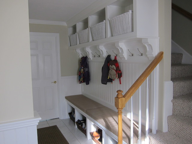 bench seats, lockers, cubbies Mudroom - traditional - entry