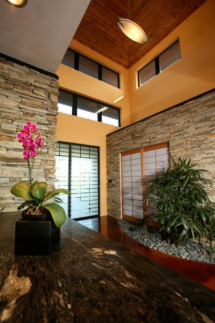 Bendel-Daniels House asian-entry