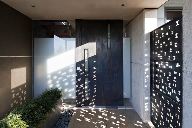 Berkeley Courtyard House modern entry