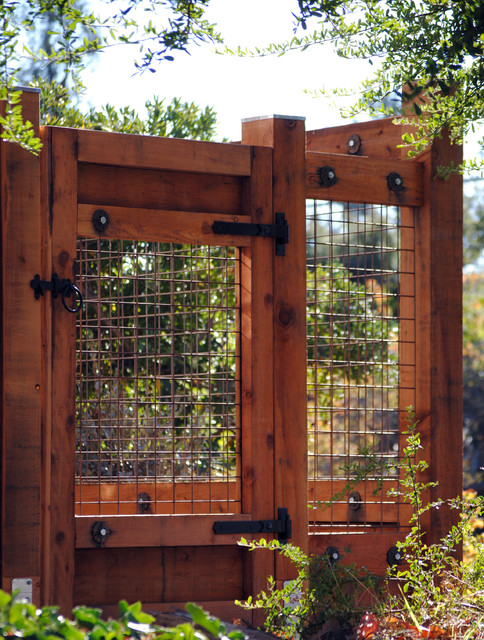 Berkeley Redwood and Welded Wire Mesh Fence - Craftsman - Entry ...