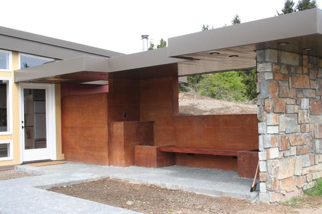 Berm House modern-entry