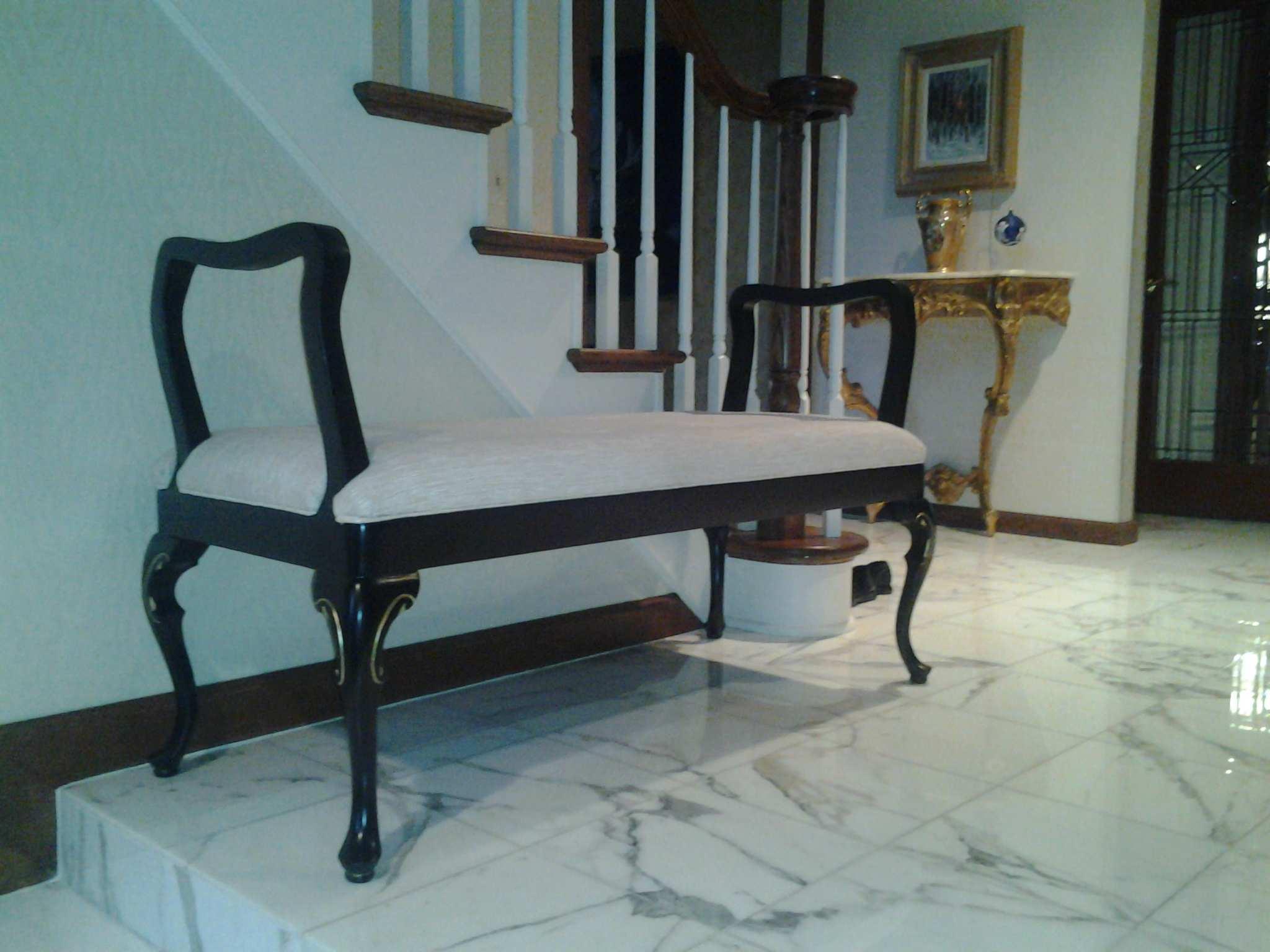 Black and cream bench