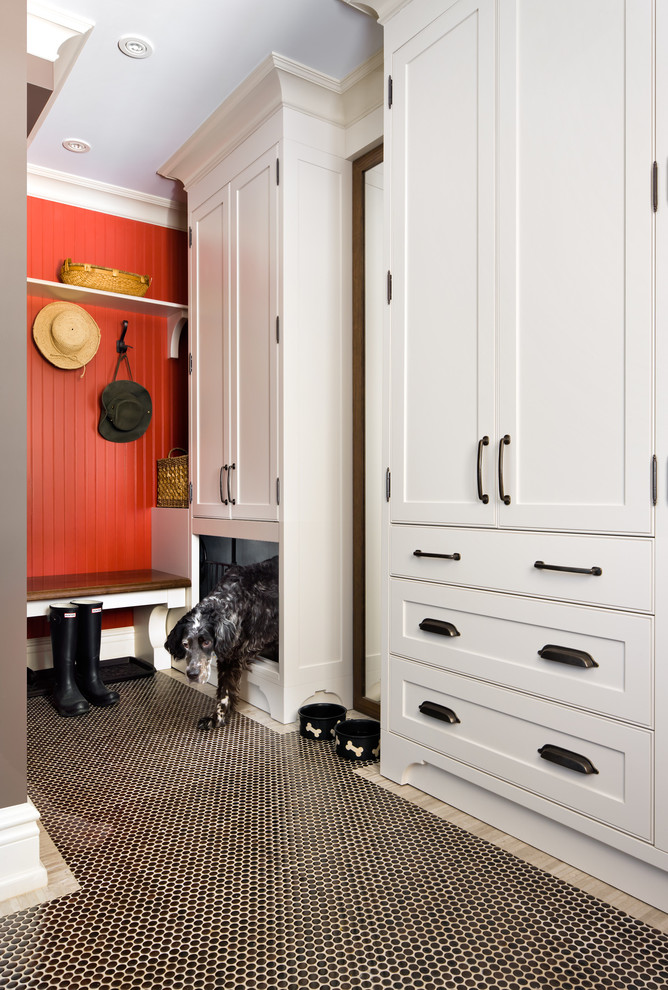 Inspiration for a timeless mudroom remodel in Toronto
