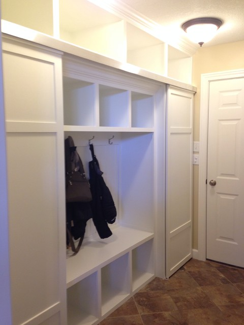 CABINETRY/BUILT-INS traditional-entry