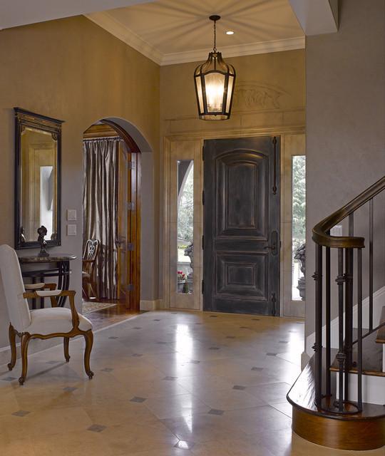 California Maison traditional-entry