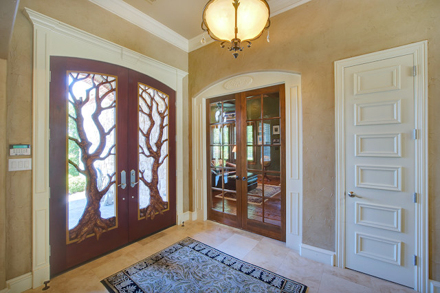 Casual Elegance traditional-entry