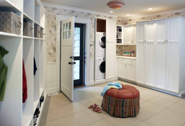 Center Street Mudroom traditional-entry