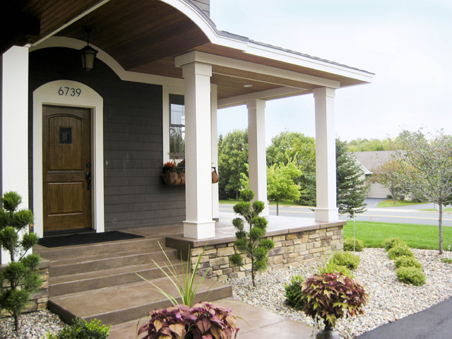 Chanhassen New Home traditional-entry