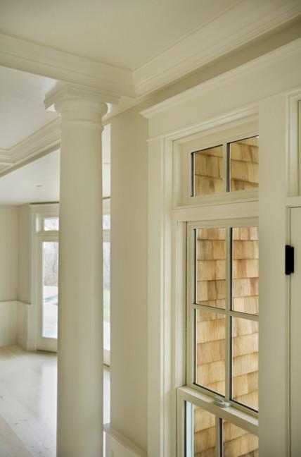 Entryway - traditional entryway idea in Providence