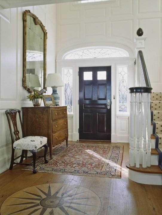 Entryway - traditional entryway idea in Boston