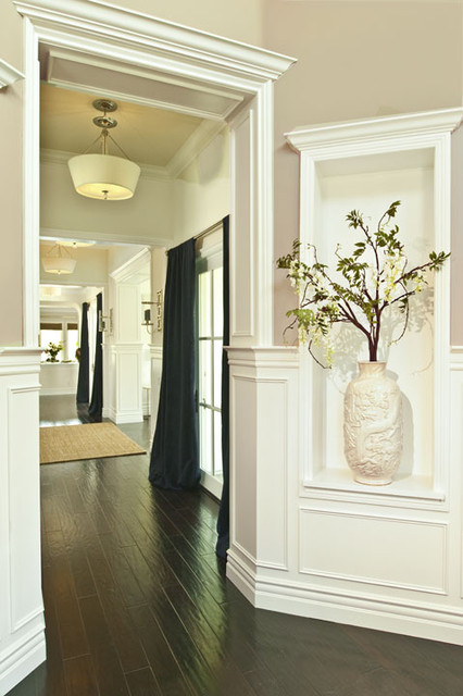 Cheshire Foyer Navy Blue and White traditional-entry