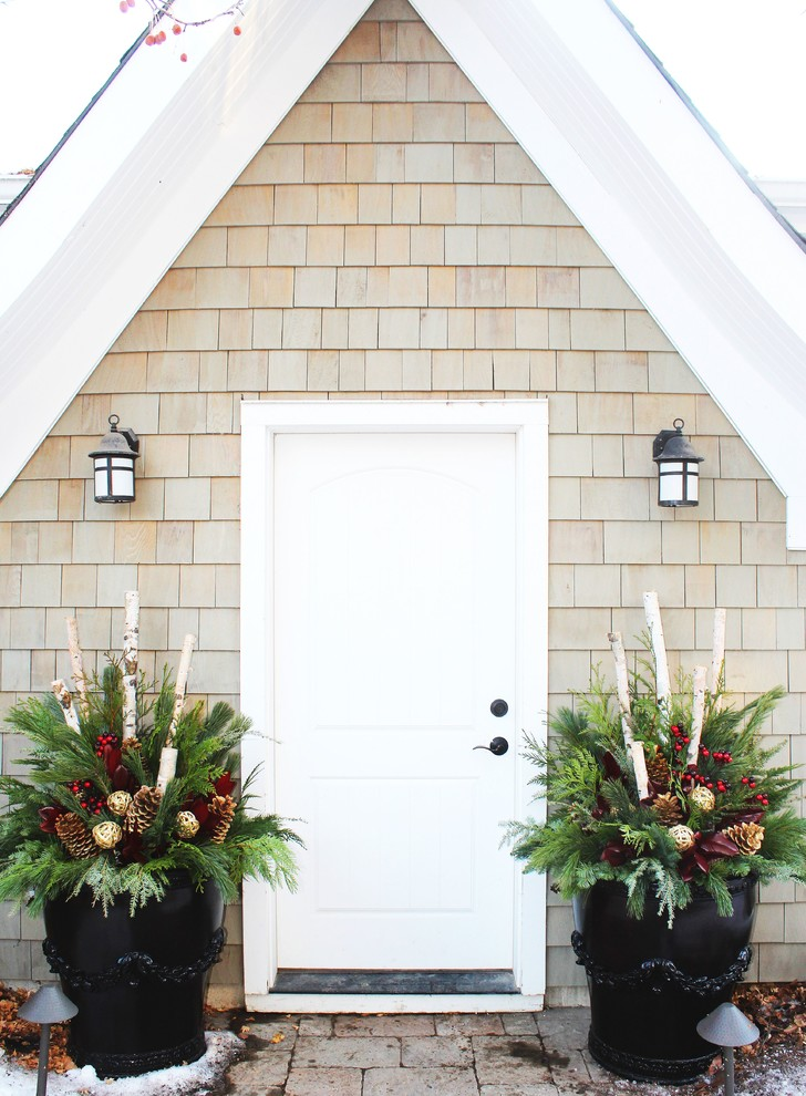 Entryway - traditional entryway idea in Calgary with a white front door