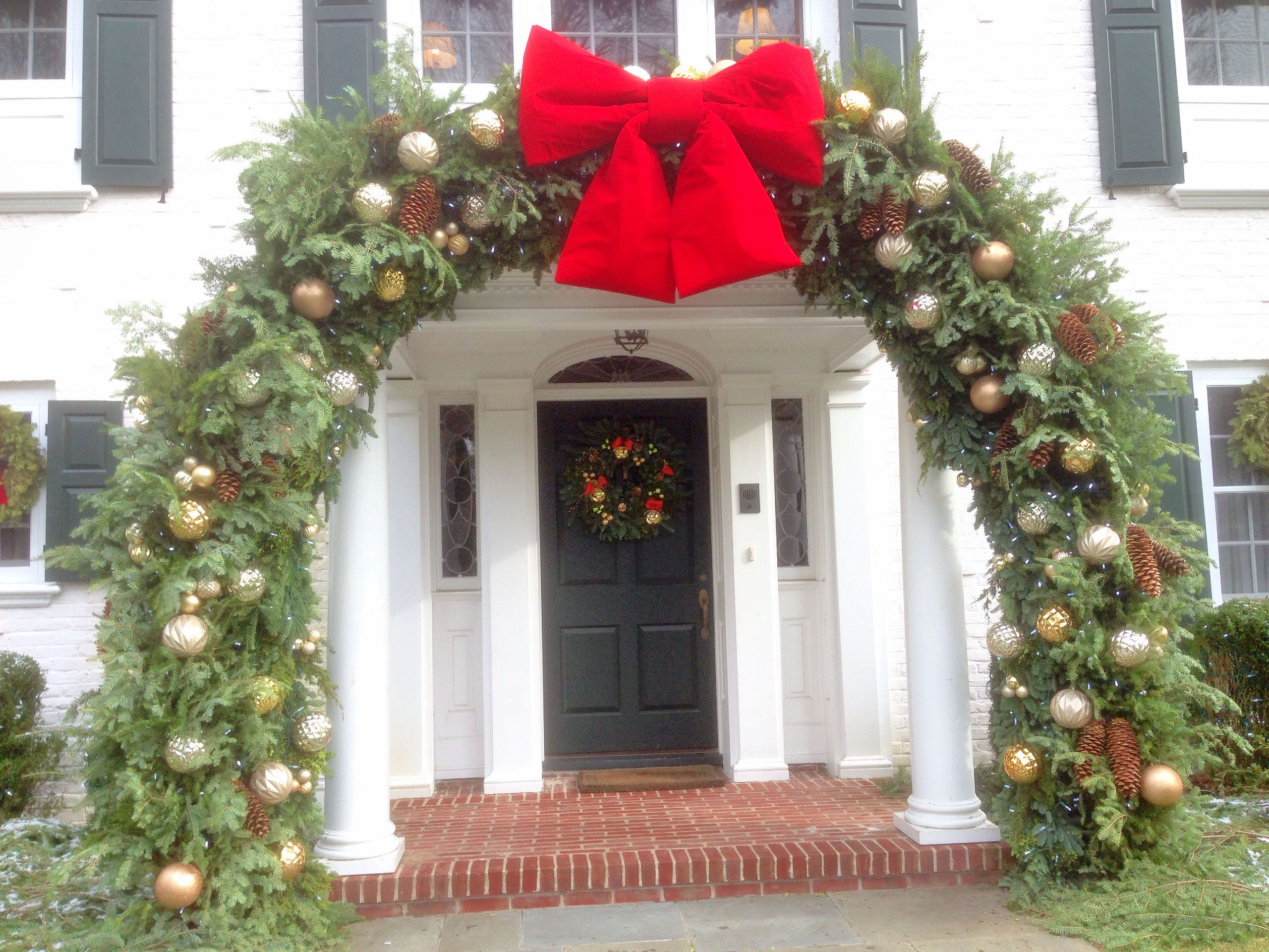 Christmas Decorations, Wreaths, Trees and Outdoor Lights